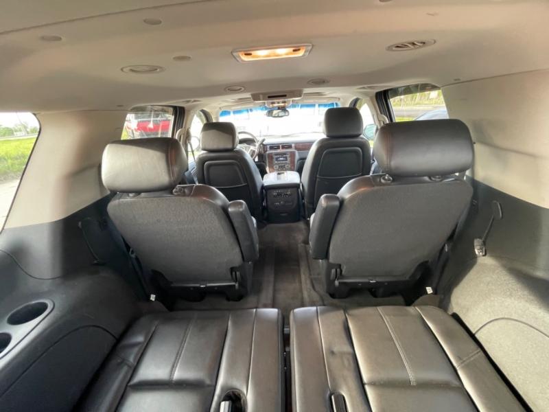 GMC Yukon XL 2007 price $8999 CASH