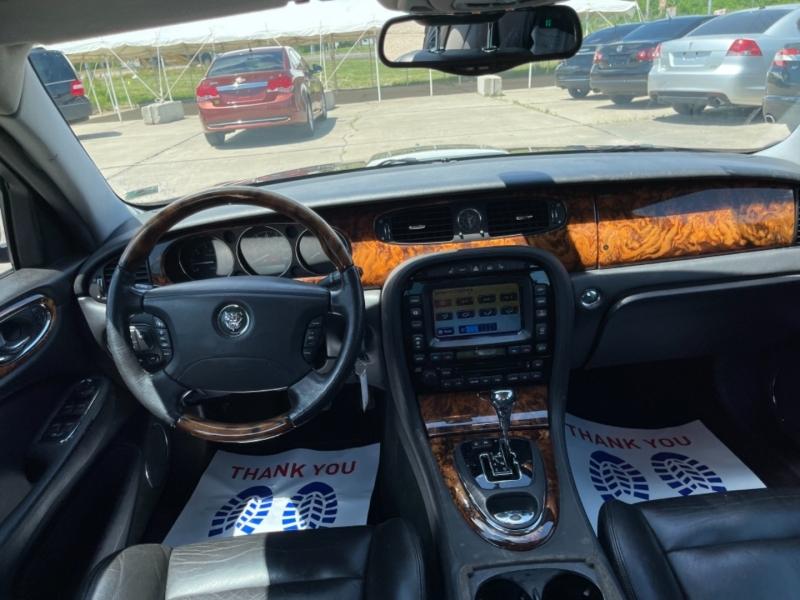 Jaguar XJ 2004 price $9,999 CASH