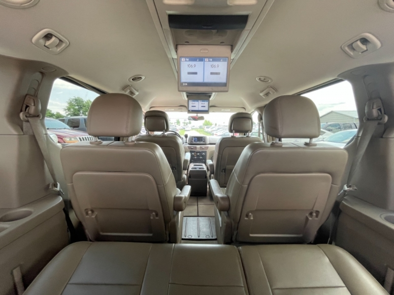 Volkswagen Routan 2011 price $6999 CASH