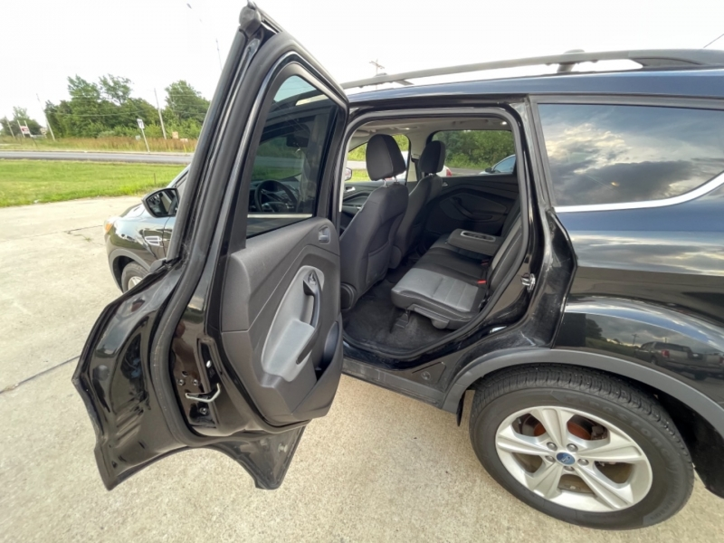 Ford Escape 2013 price $9989 CASH