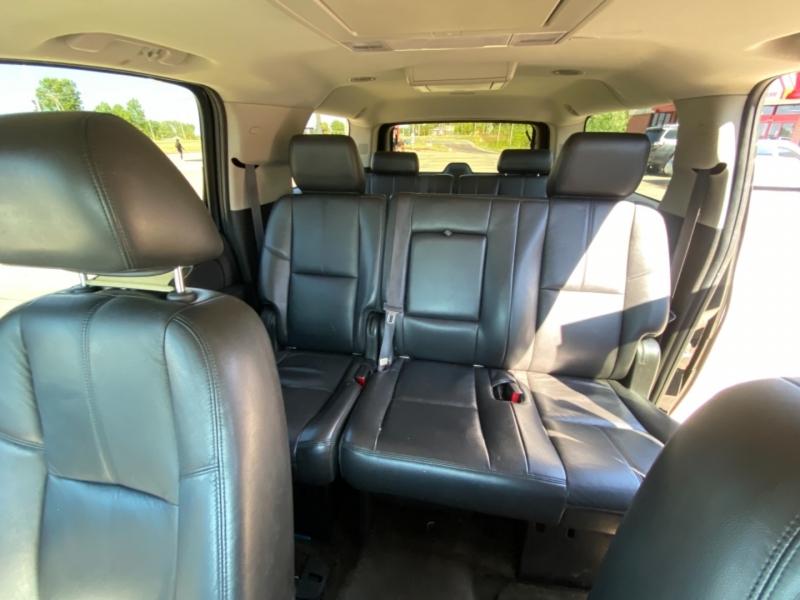 Chevrolet Suburban 2012 price $15,999 CASH