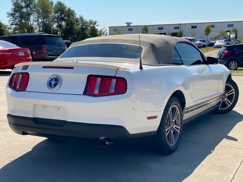Ford Mustang 2010 price $11,999 CASH