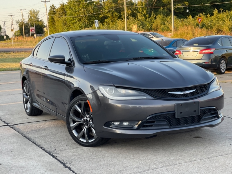 Chrysler 200 2015 price Price to be announced