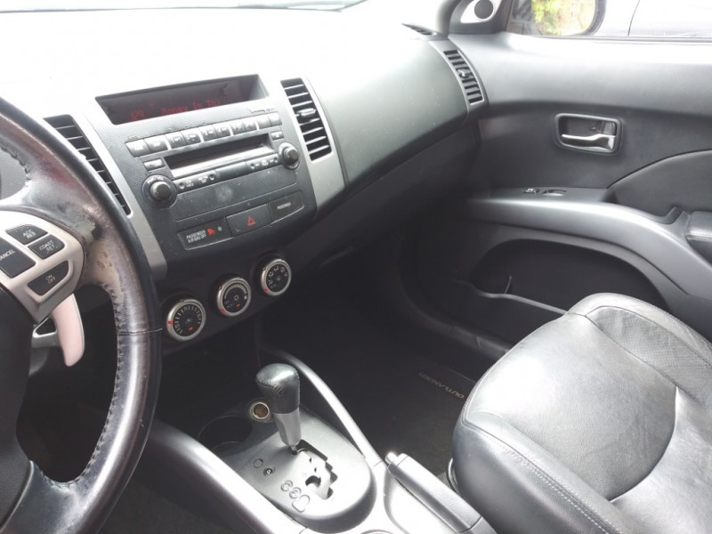 Mitsubishi Outlander 2008 price Call us