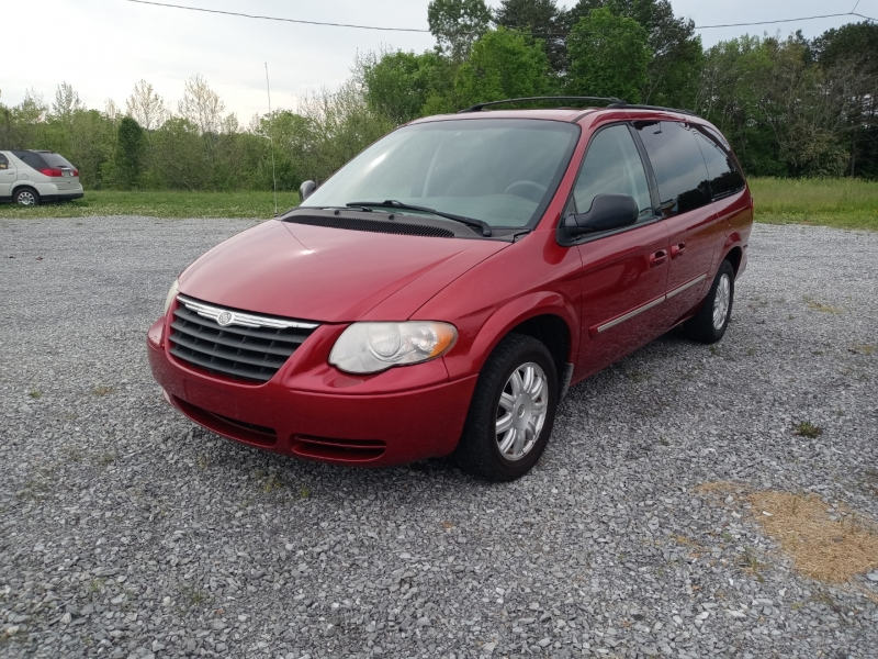 Chrysler Town & Country LWB 2007 price Call us
