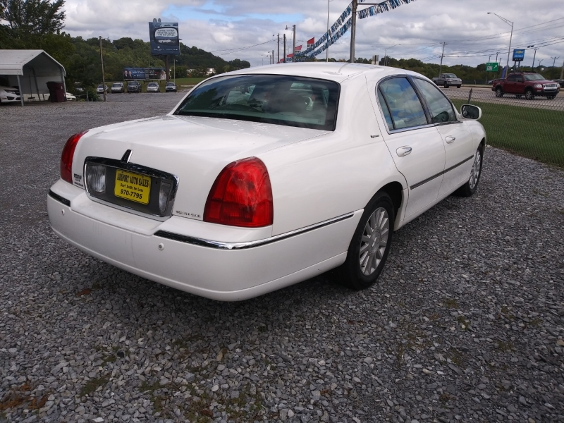 Lincoln Town Car 2004 price Call us