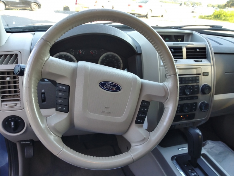 Ford Escape 2009 price Call us