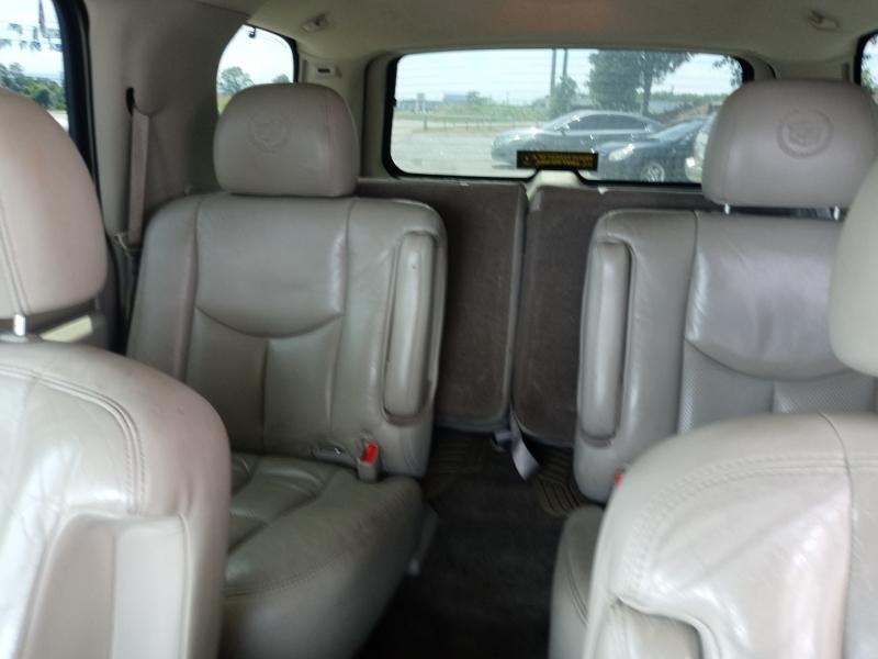 Cadillac Escalade 2005 price Call us