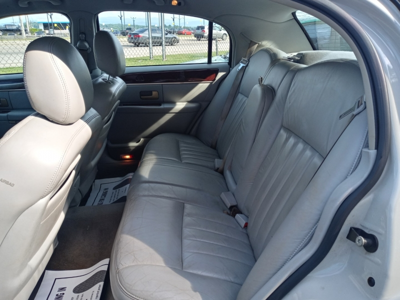 Lincoln Town Car 2005 price Call us