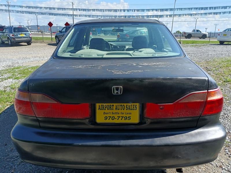 Honda Accord Sdn 2000 price $2,800 Cash