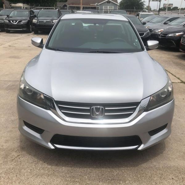 Honda Accord Sedan 2013 price $10,700