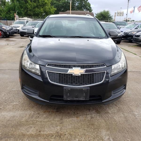 Chevrolet Cruze 2012 price $6,300