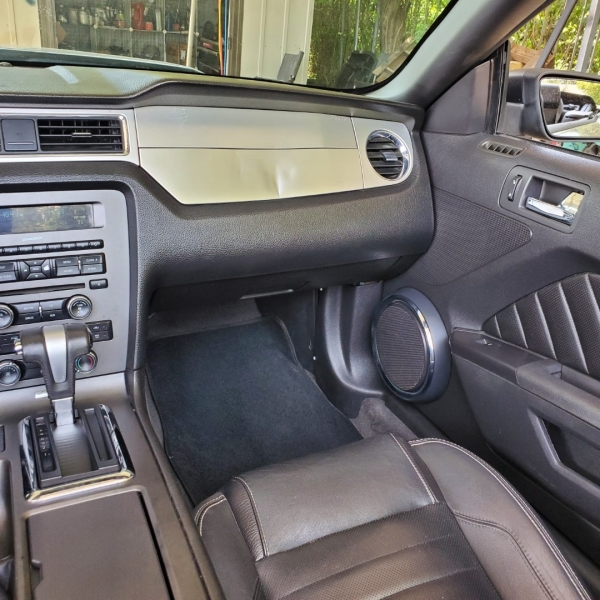 Ford Mustang 2011 price $8,999