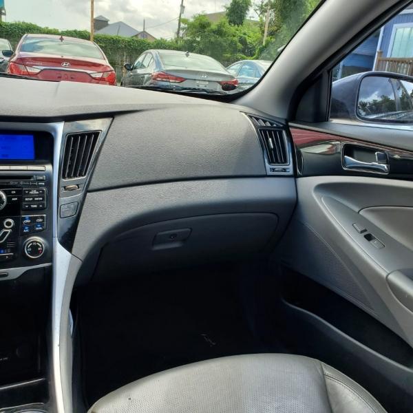 Hyundai Sonata 2011 price $6,488