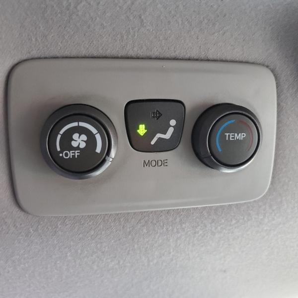 Toyota Sienna 2013 price $9,400