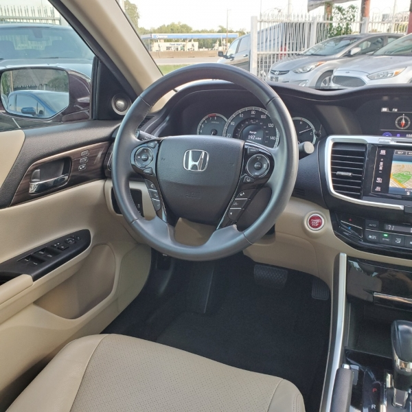 Honda Accord Sedan 2016 price $16,500