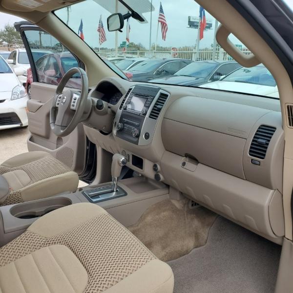 Nissan Frontier 2018 price $13,500