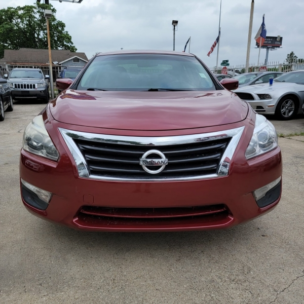 Nissan Altima 2015 price $8,799