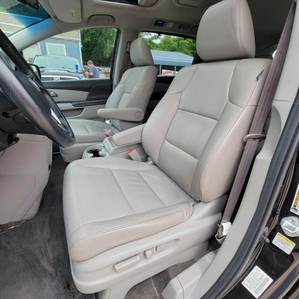 Honda Odyssey 2011 price $10,899