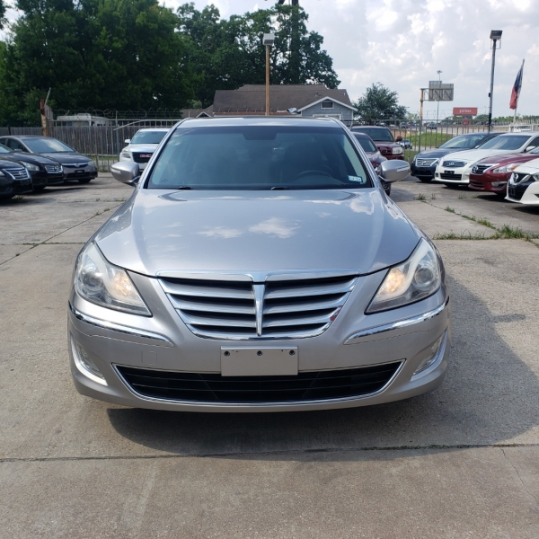 Hyundai Genesis 2012 price $9,999