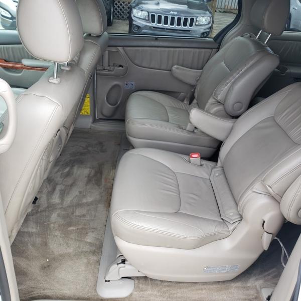 Toyota Sienna 2010 price $8,795