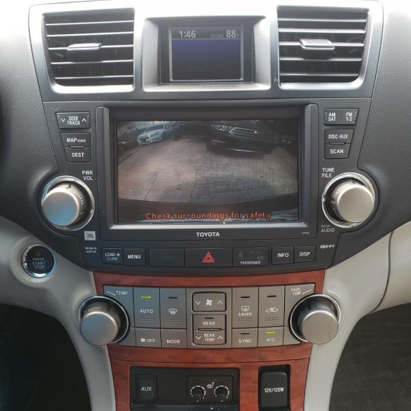 Toyota Highlander 2010 price $13,499