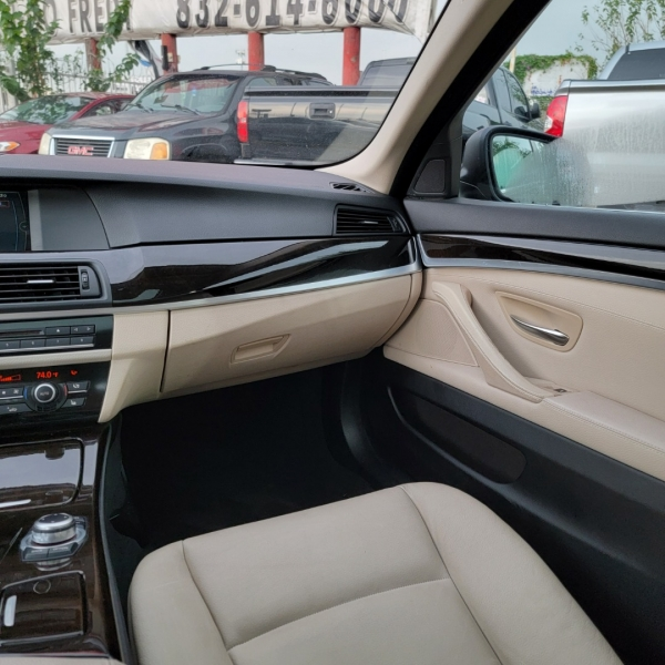 BMW 5-Series 2011 price $14,400