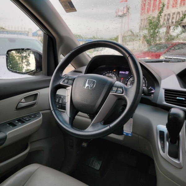Honda Odyssey 2011 price $12,499