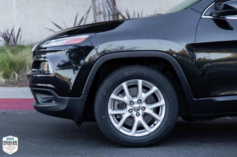 Jeep Cherokee 2016 price $13,900