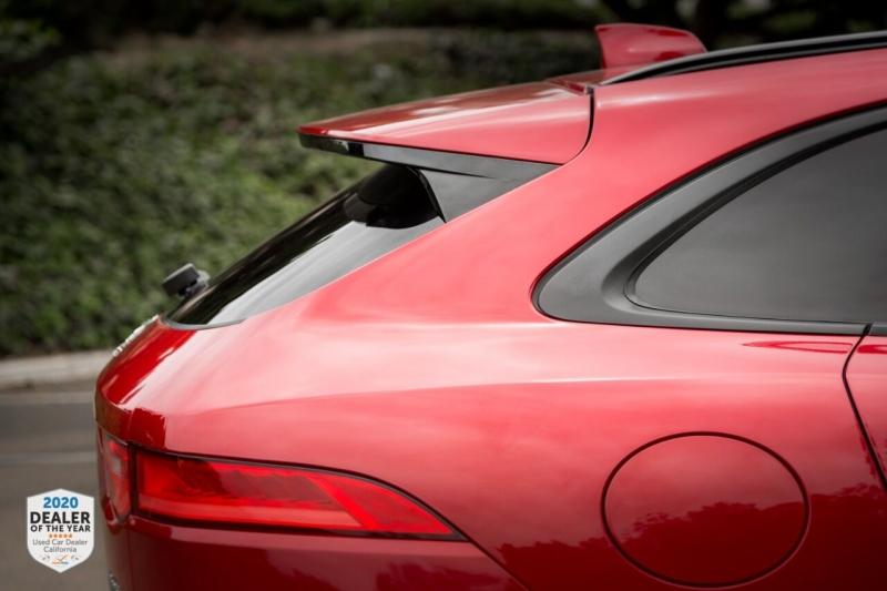 Jaguar F-PACE 2017 price $33,700