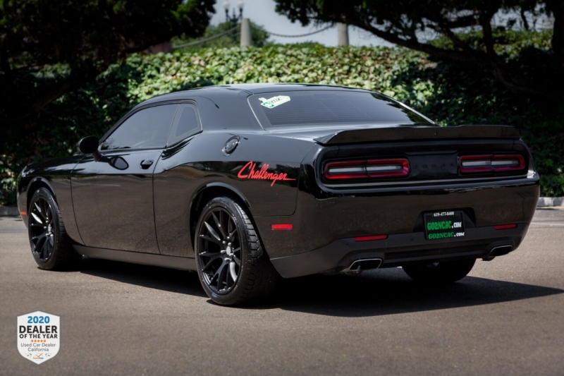 Dodge Challenger 2017 price $23,700