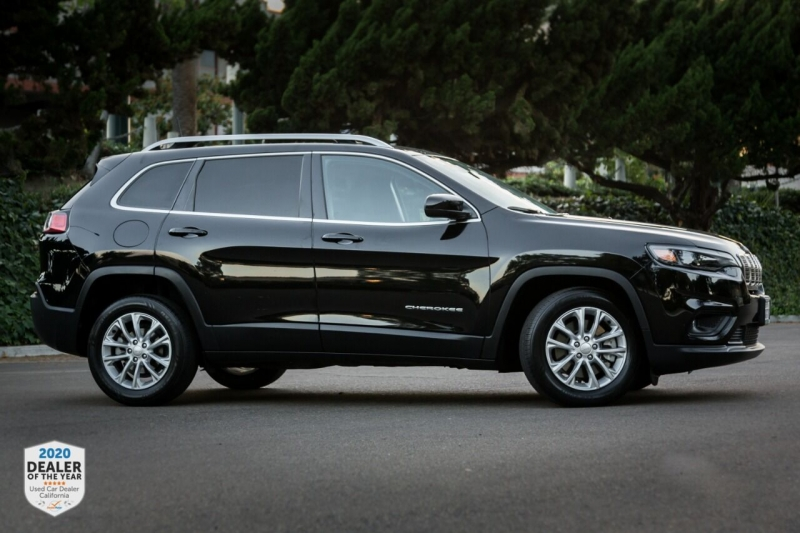 Jeep Cherokee 2019 price $17,990