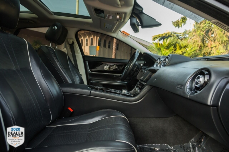 Jaguar XJ 2016 price $33,900