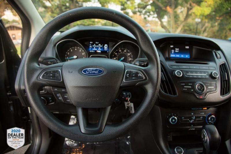 Ford Focus 2017 price $9,990
