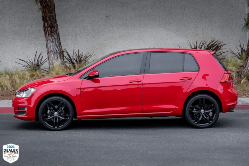 Volkswagen Golf 2017 price $17,700