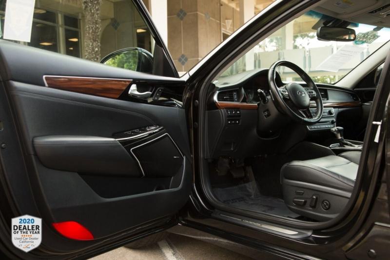 Kia Cadenza 2017 price $23,900