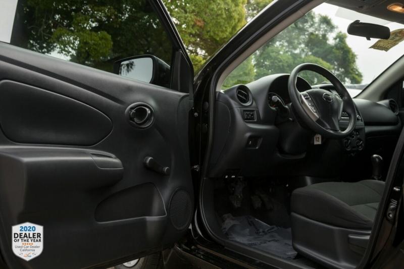 Nissan Versa 2018 price $8,900
