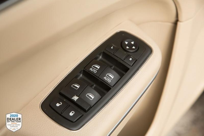 Chrysler 300 2013 price $10,700