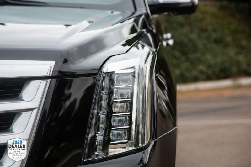 Cadillac Escalade 2016 price $39,965
