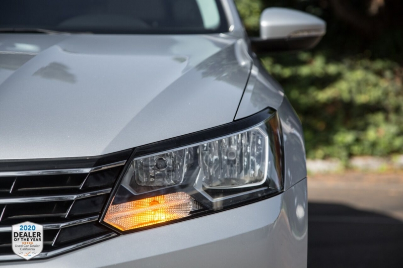 Volkswagen Passat 2016 price $12,890