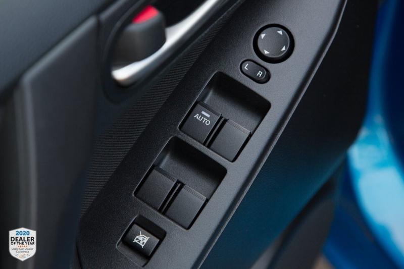Mazda MAZDA3 2012 price $10,900