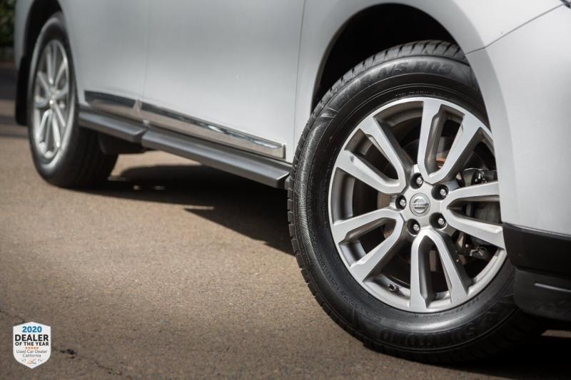 Nissan Pathfinder 2014 price $15,600