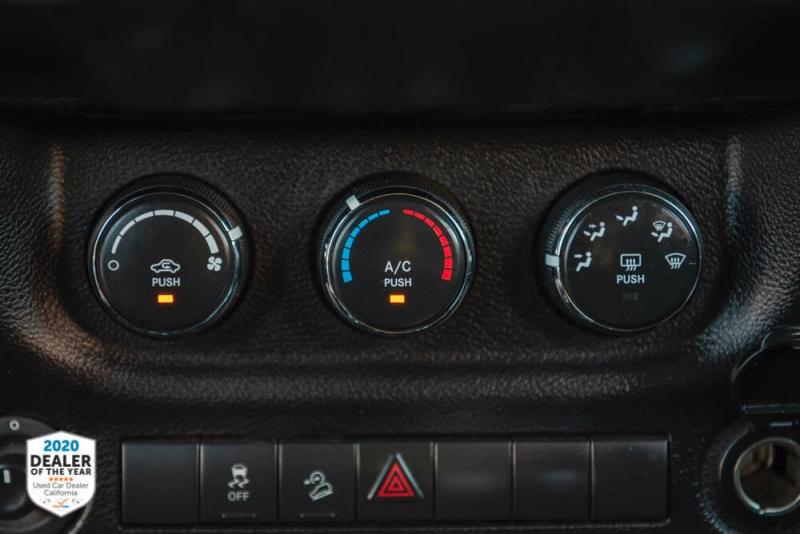 Jeep Wrangler Unlimited 2015 price $32,900