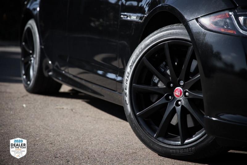 Jaguar XJ 2016 price $35,990