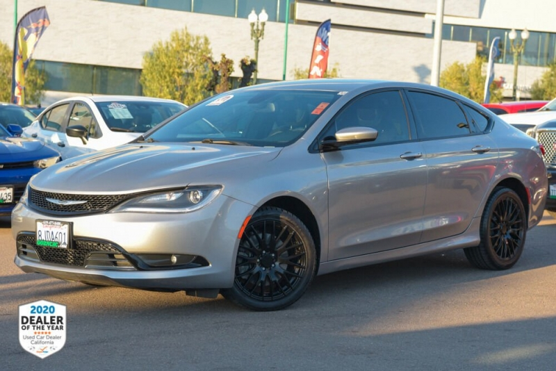 Chrysler 200 2015 price $11,900