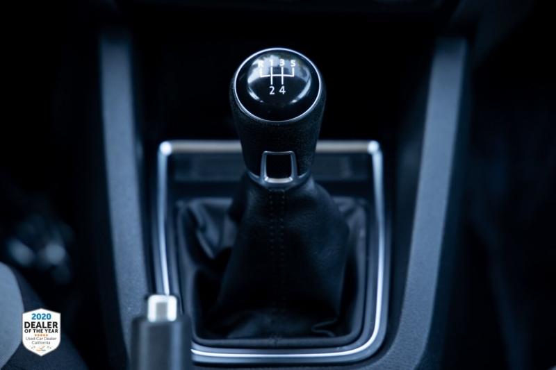 Volkswagen Jetta 2017 price $10,700