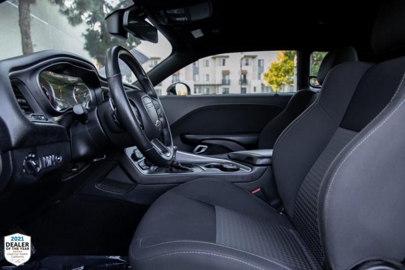 Dodge Challenger 2019 price $30,900