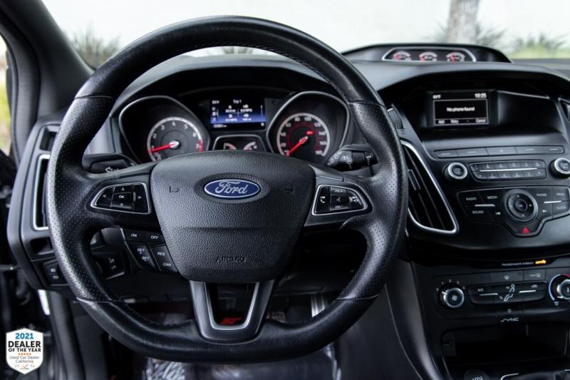 Ford Focus 2018 price $23,900