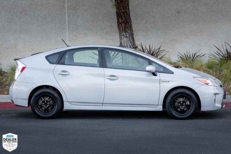 Toyota Prius 2015 price $9,490