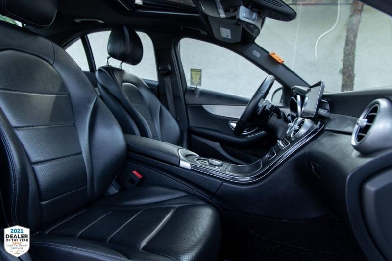 Mercedes-Benz C-Class 2019 price $32,800